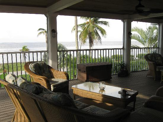 Bokeelia Tarpon Inn: Upstairs covered porch with fans