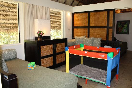Castaway Island Fiji: Interior of Bure