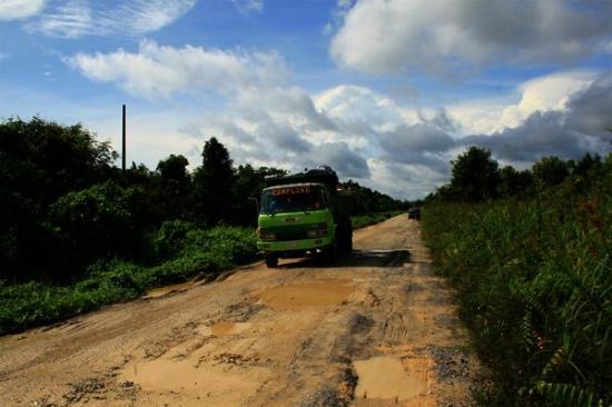 Pangkalan Bun, Endonezya: rusak berat