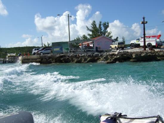 เกาะฮาร์เบอร์: Water Taxi from Nassau to Harbour Island