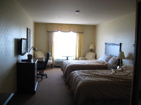 Comfort Inn & Suites Saint-Nicolas : nice and spacious room