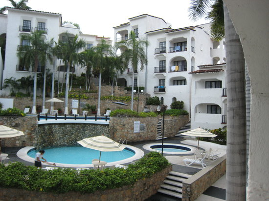 Marina Hotel & Resort: This is a pic from my outside my room.