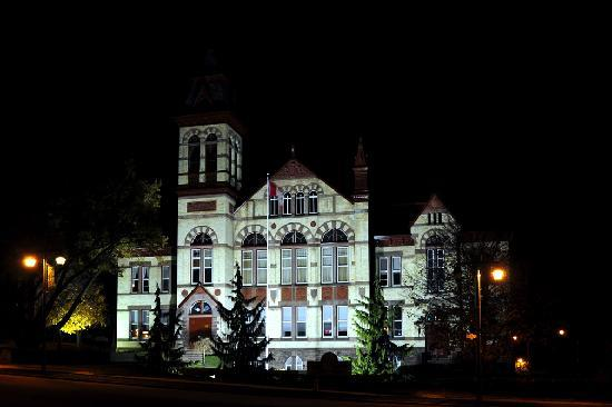The Parlour Inn: Perth county Court House