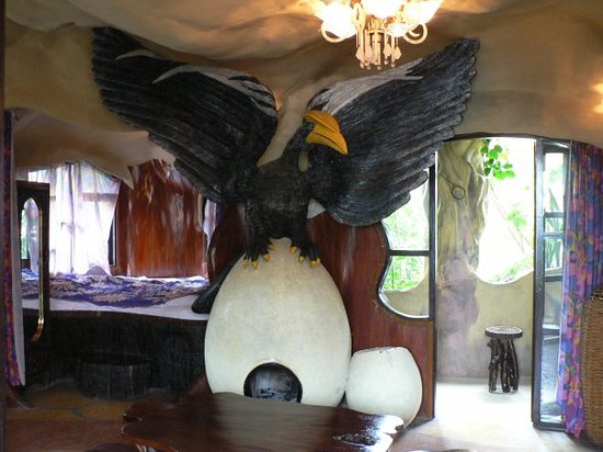 Hang Nga Guest House and Art Gallery: Crazy House - Dalat