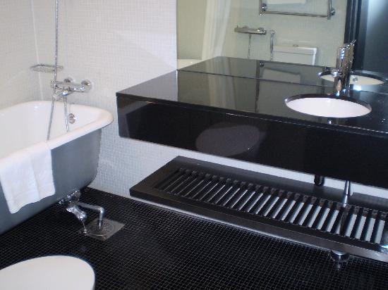 Solo Sokos Hotel Torni: Bath room
