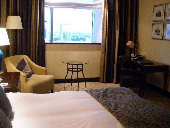 InterContinental Hotel Warsaw: habitación