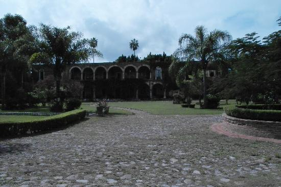 Hacienda El Carmen Hotel & Spa: The back yard