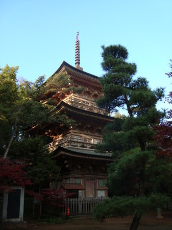 Three-Story Pagoda at Anrakuji Temple