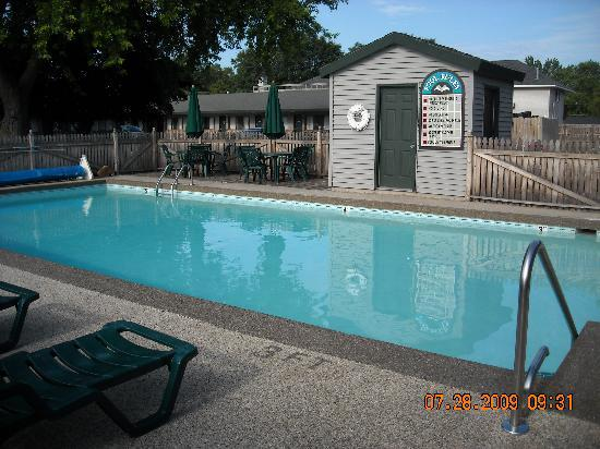 Viking Arms Inn: Pool