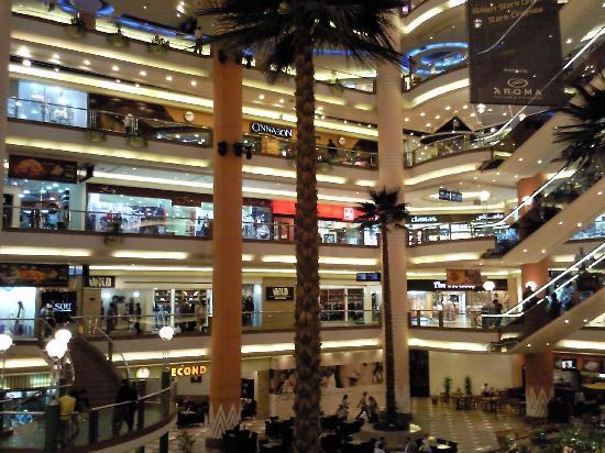 Staybridge Suites Cairo-Citystars: Centre commercial Citystars au pied de l'hôtel