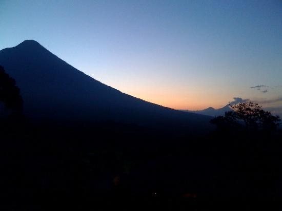 Alotenango, Guatemala: Los volcaness