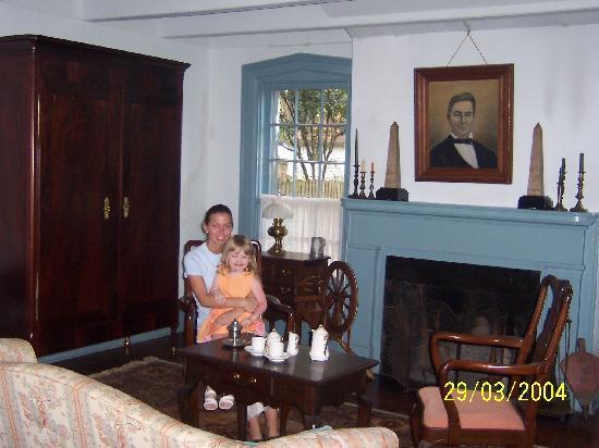 Mouton Plantation Bed & Breakfast : Inner room in main building