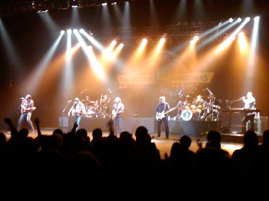 The Doobie Brothers Concert 11/4/09 at the Majestic Theatre