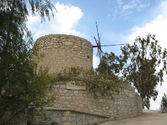 Sedirli Ev: Alaçatı windmill