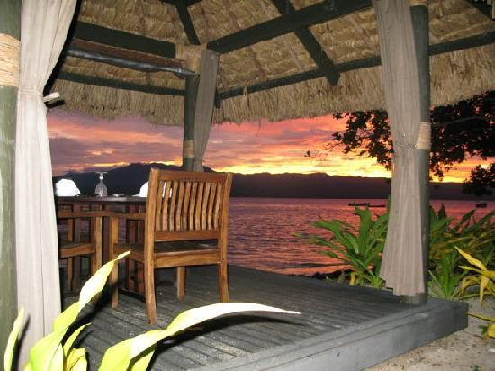 Qamea Resort And Spa Fiji: Oceanfront Dining Spot