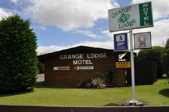 Grange Lodge Motel: Street View