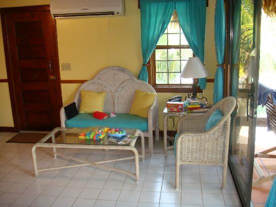 Ramon's Village Resort: Sitting area