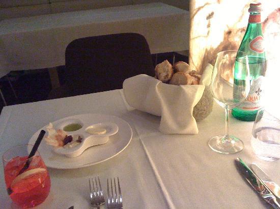Restaurant Sitzwohl: zu Tisch