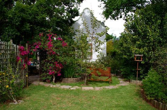 Tonquani Oudtshoorn Cottages: Swimming Pool & Secluded Garden