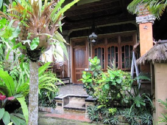 Hibiscus Cottages: Terrasse 1