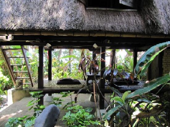 Lumbung Damuh: Lumbung Sitzplatz
