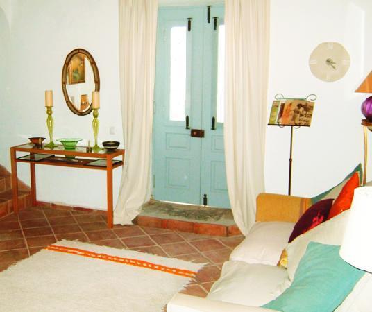 Casa Rosada: The Lounge