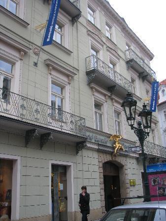 Barcelo Old Town Praha : Façade de l'hotel