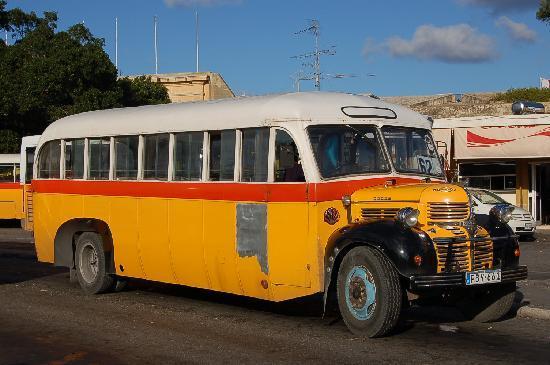 Imperial Hotel : Malta bus