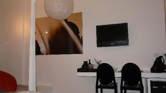 Relais Rome Sweet Home Navona: lit chambre n°1 pas confortable