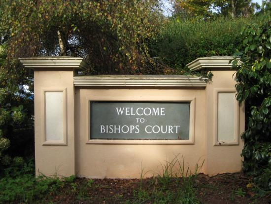 Bishops Court Resort Garden House Hotel: Welcome sign