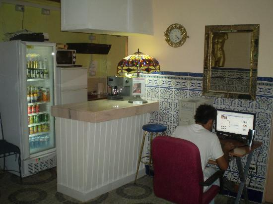 Adeje, Spania: bar internet