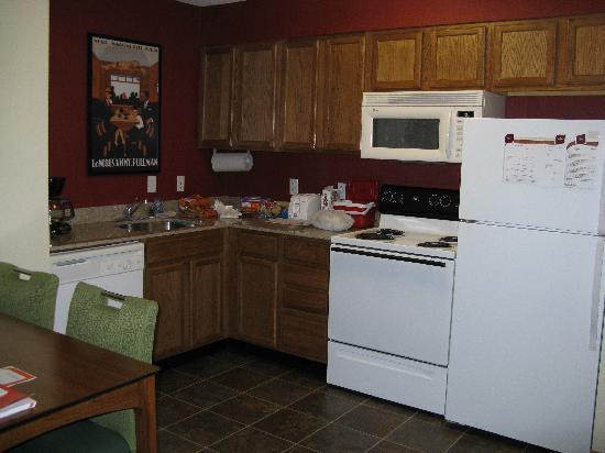 Residence Inn Houston Northwest/Willowbrook: Kitchen Area