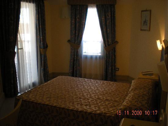 Grand Hotel Faraglioni: Doppia finestra