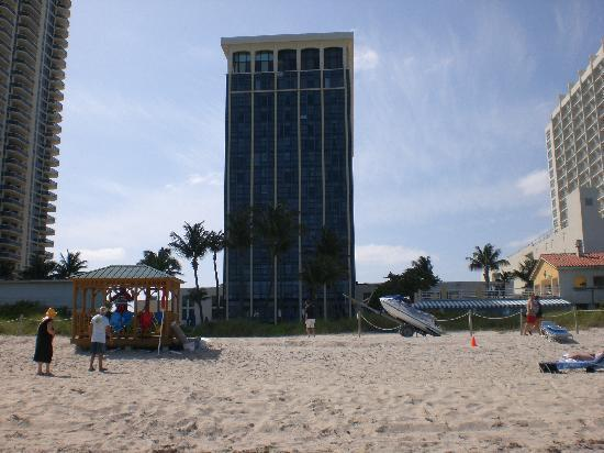 Miami Beach Resort and Spa: back of hotel