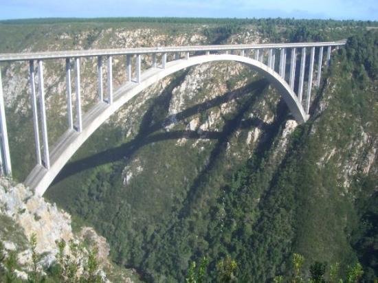 Port Elizabeth, Afrique du Sud  Saut à l'élastique, Bungy jump 216 m !