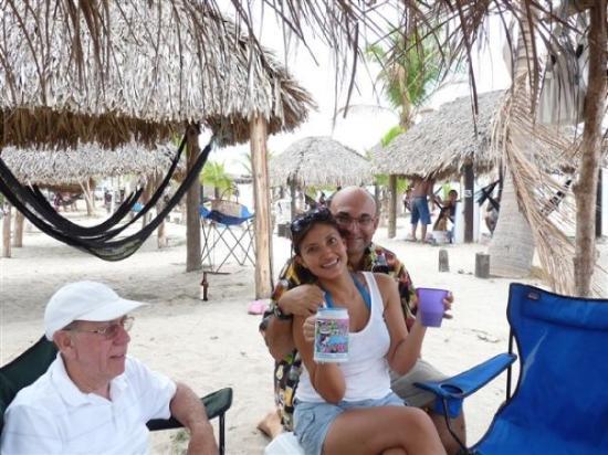 Santa Clara, Panamá: ...with Roberto Ducreux and his family