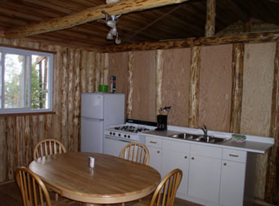 Wabatongushi Lake, Canadá: Inside a typical cabin on Loch Island