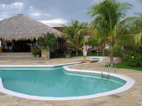 Popoyo, Nicaragua: Pool (one of two pools)