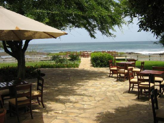 Tola, Nikaragua: Outdoor eating near beach