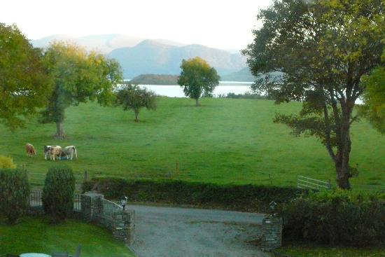 Loch Lein Country House: Lake View