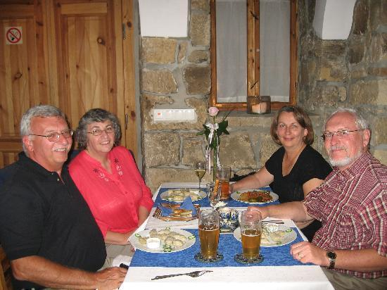 The Blue Beetroot Hotel: Dinner at the Betroot