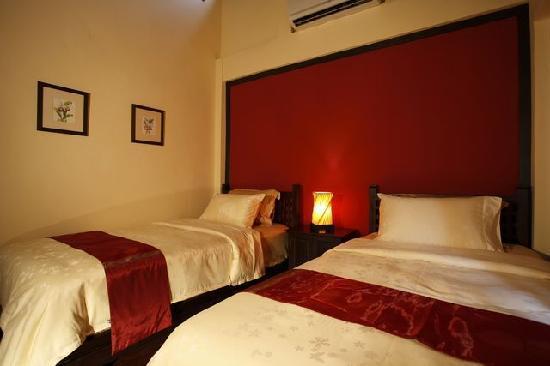 Sunset Apartment Phuket: Bedroom