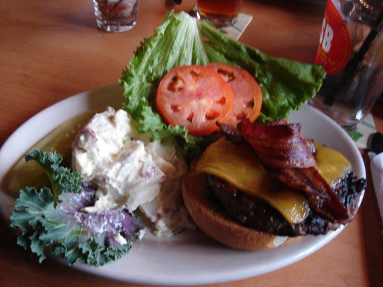 Woodinville, WA: My Lunch - The California Buger