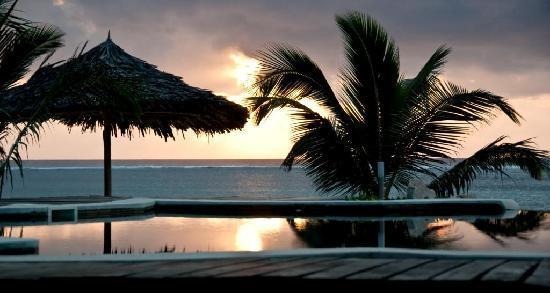 Waterlovers Beach Resort: Sunrise
