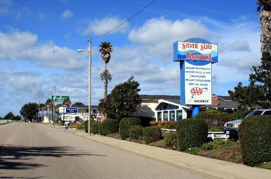 Silver Surf Motel Entrance