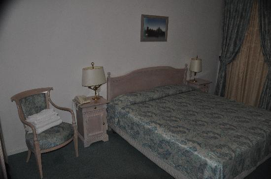 Albergo Ristorante Ancora: Bedroom Hotel Ancora Riva Del Garda