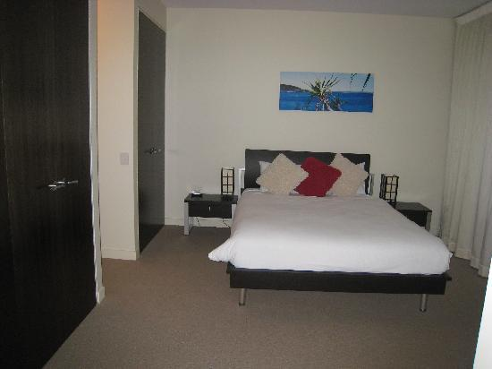 Element on Coolum Beach: Master Bedroom