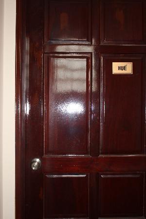 LeBlanc Saigon: La porte d'une des chambres
