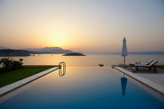 SK Place Crete Luxury Seafront Villas: SK Place Anemos villa infinity pool: Pure Perfection!