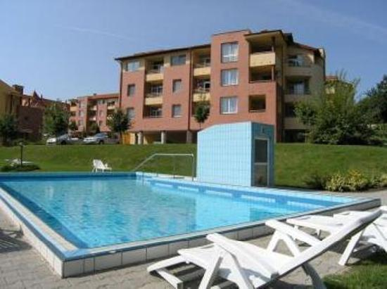 Apartmenthouse Gelencser: swimmingpool